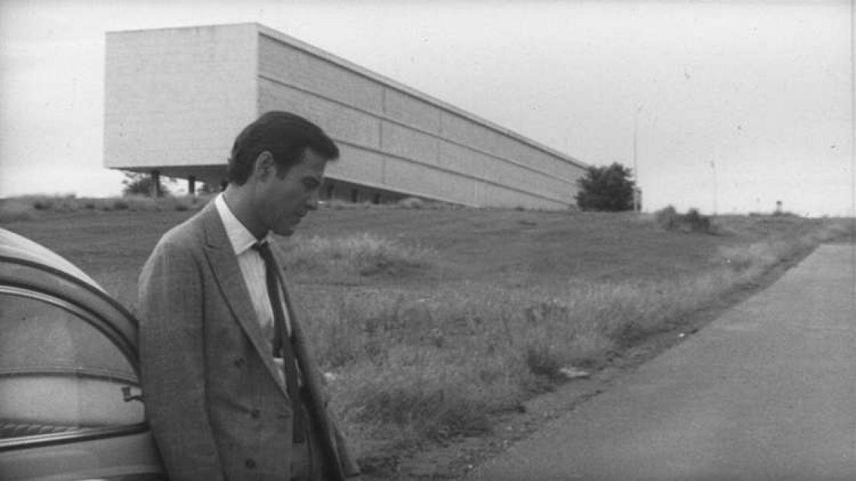 Em 'Amor e desamor', um homem branco, rico e entediado sonha em deixar Brasília