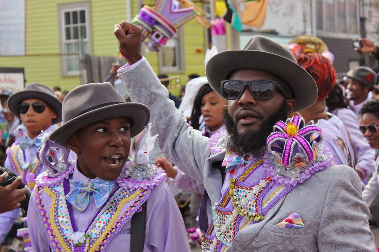 Desfile representa a força da cultura popular do povo de New Orleans