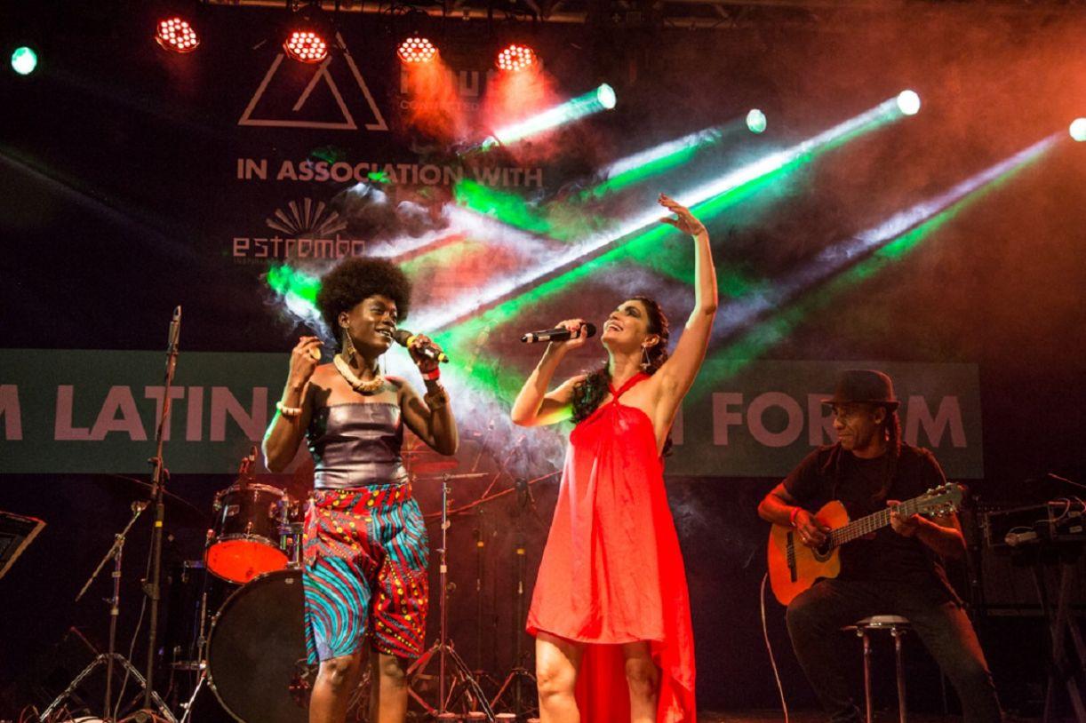 Adango Salicia Zulu e Joyce Cândido cantaram juntas 'África raiz', uma canção em português e dialeto camaronês