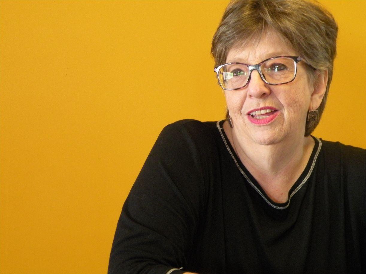 A pesquisadora Déa E. Berttran dedicou-se a estudar a construção familiar homoafetiva