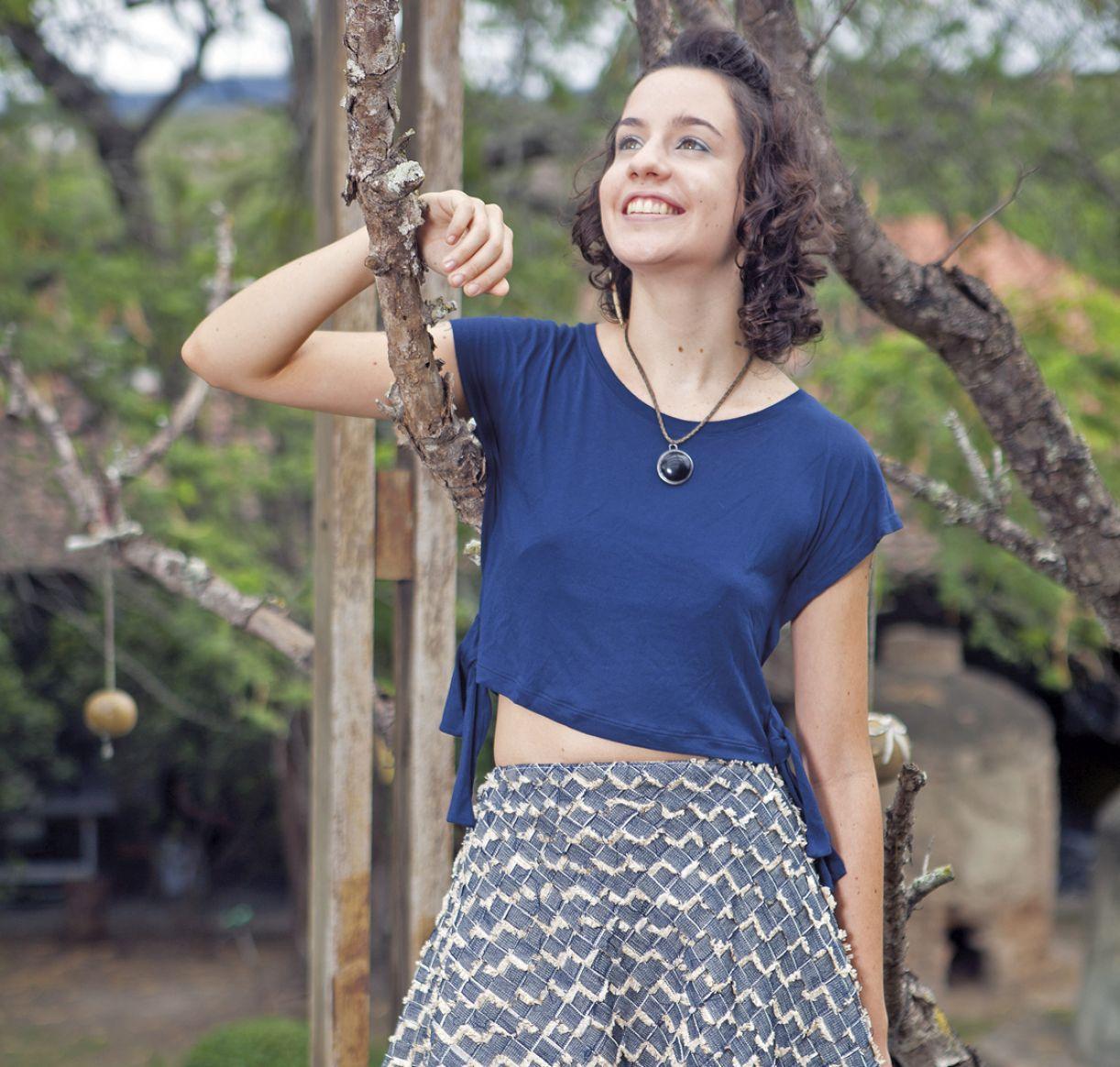 Mulheres de Argila (Caruaru) criam peças aproveitando as sobras do jeans