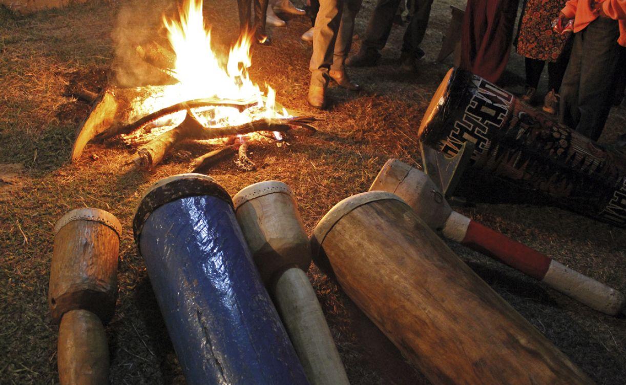O fogo representa o elo com a ancestralidade do grupo