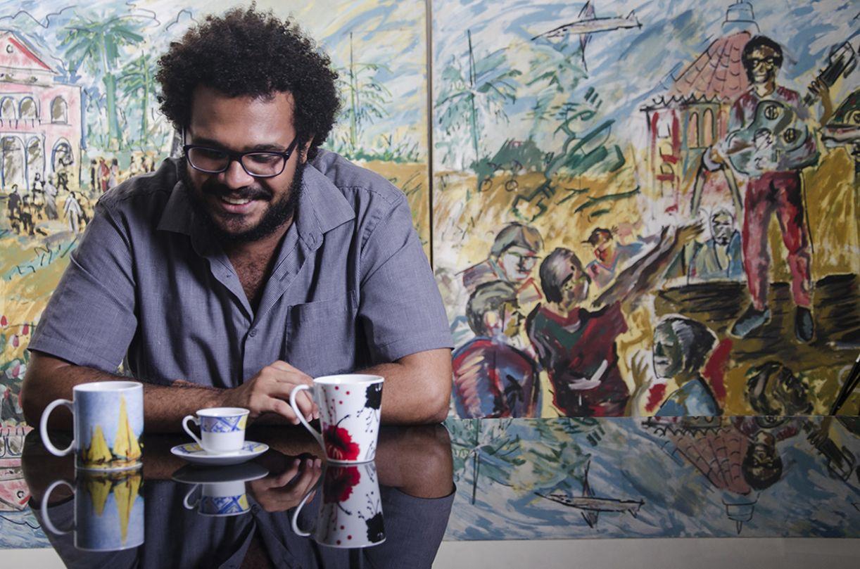 O poeta e livreiro Fred Caju é o organizador da antologia