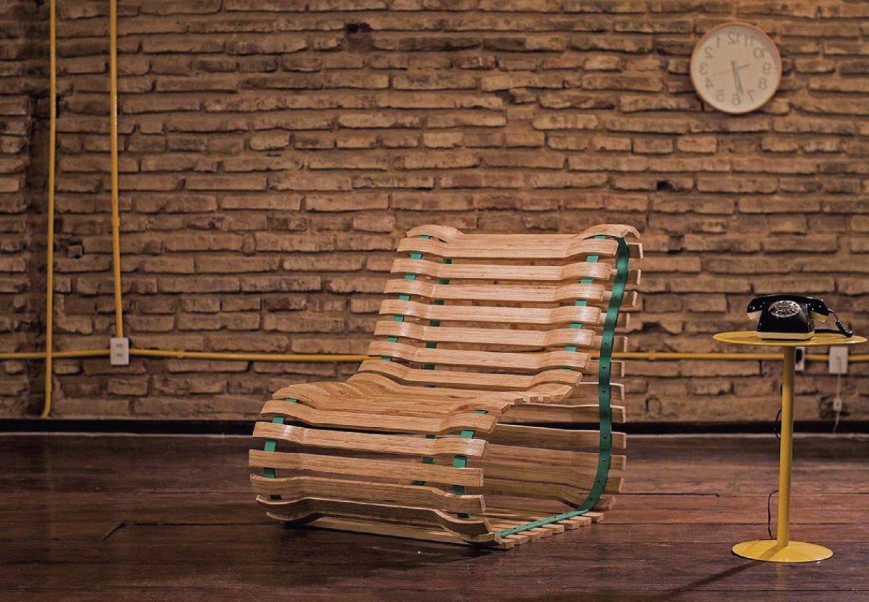 A cadeira foi elaborada por Caio Lobo, quando ainda morava em Garanhuns