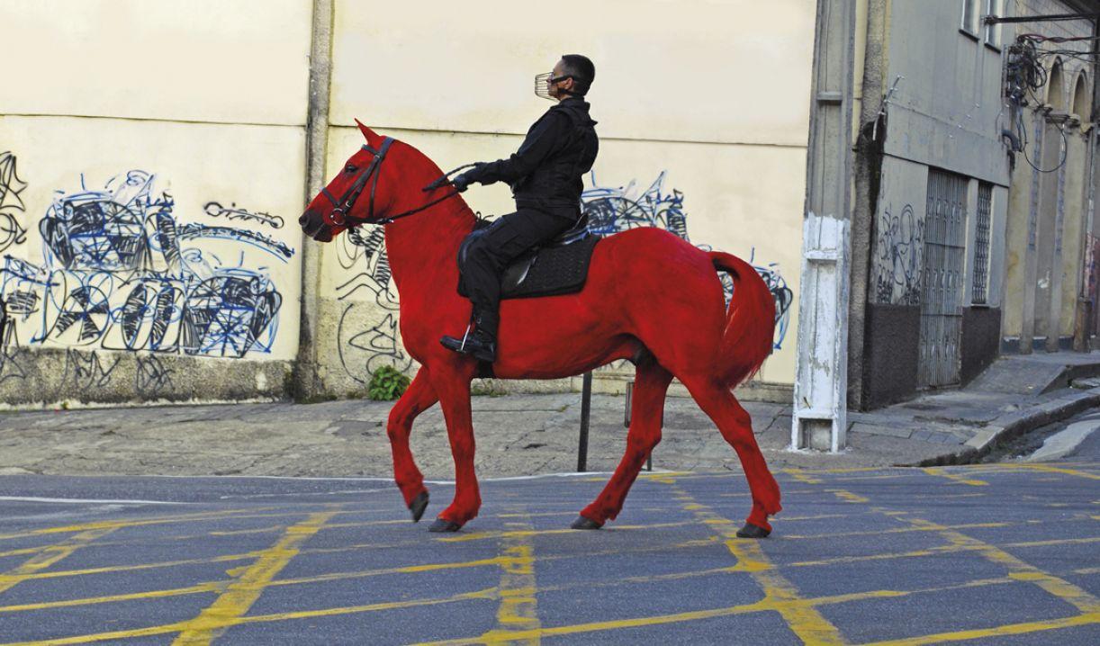 O vídeo 'Palomo' foi um dos destaques da individual 'Vazio de nós' (2013)