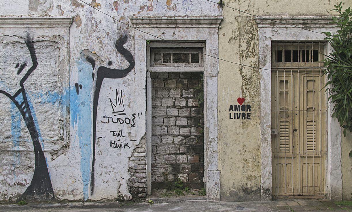 A série de estêncil 'Amor livre' foi criada quando se iniciou o movimento das ciclofaixas na cidade