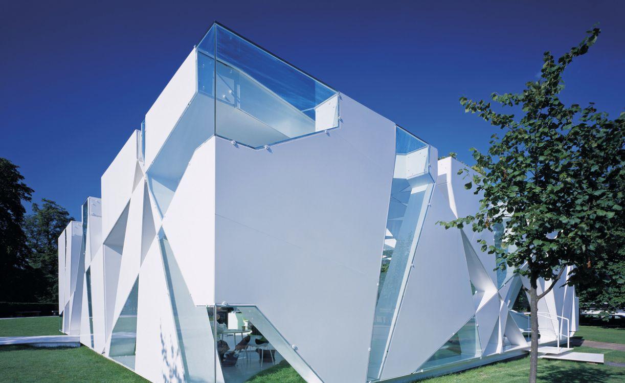 Pavilhão projetado por Toyo Ito e Cecil Balmond para as Serpentine Galleries, em 2002, já não existe mais
