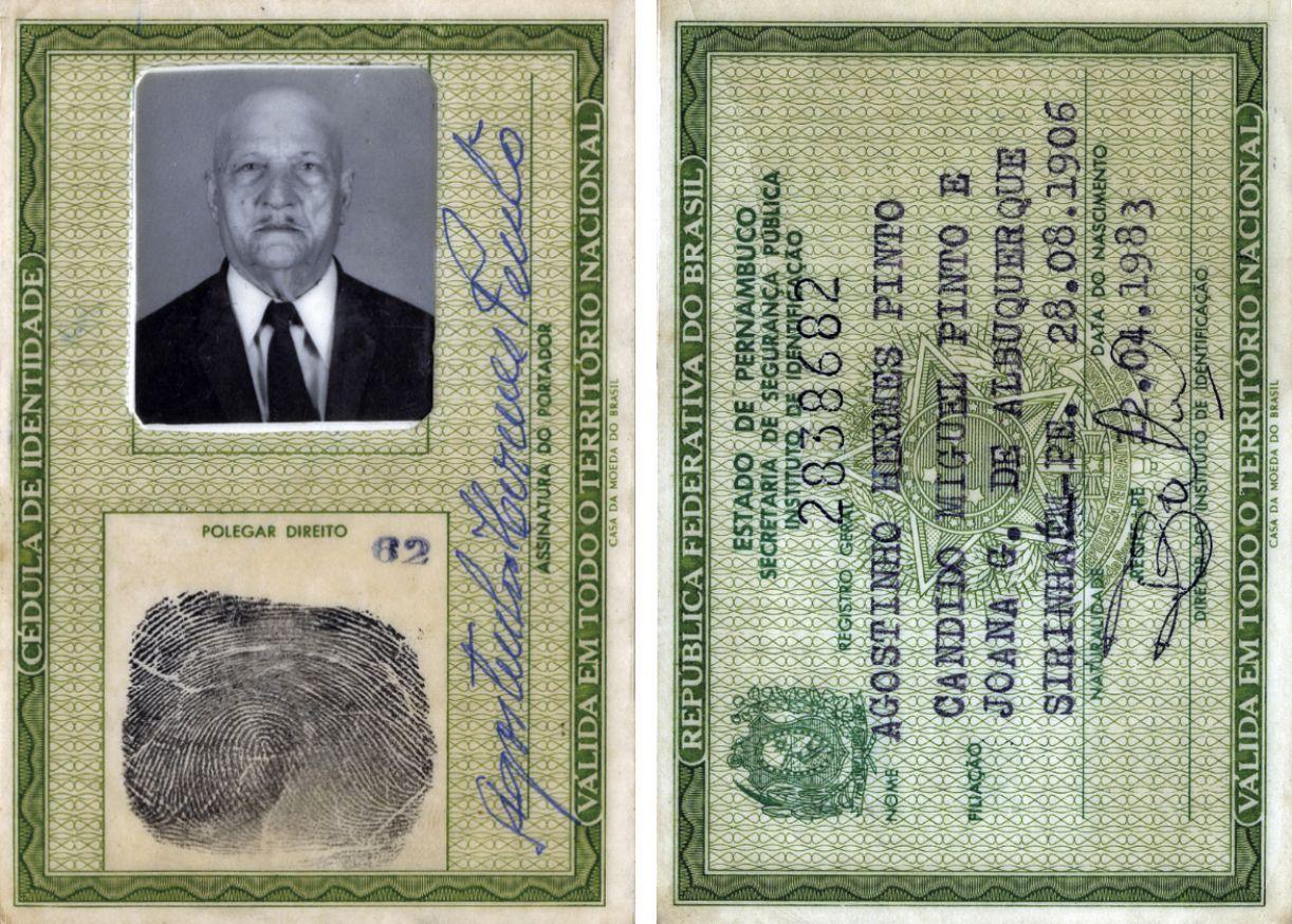 Carteira de identidade do meu tio Agostinho Hermes Pinto. Única foto que tirou na vida