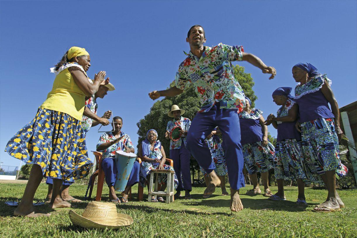 Há mais de um século começou-se a dançar o samba de véio na Ilha do Massangano, em Petrolina/PE