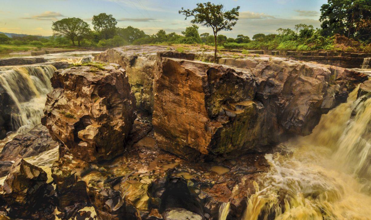 Cachoeira pontua a riqueza aquática local