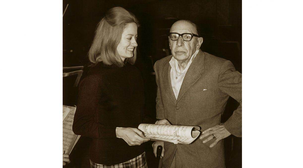 Jocy com Stravinsky, durante ensaio nos EUA