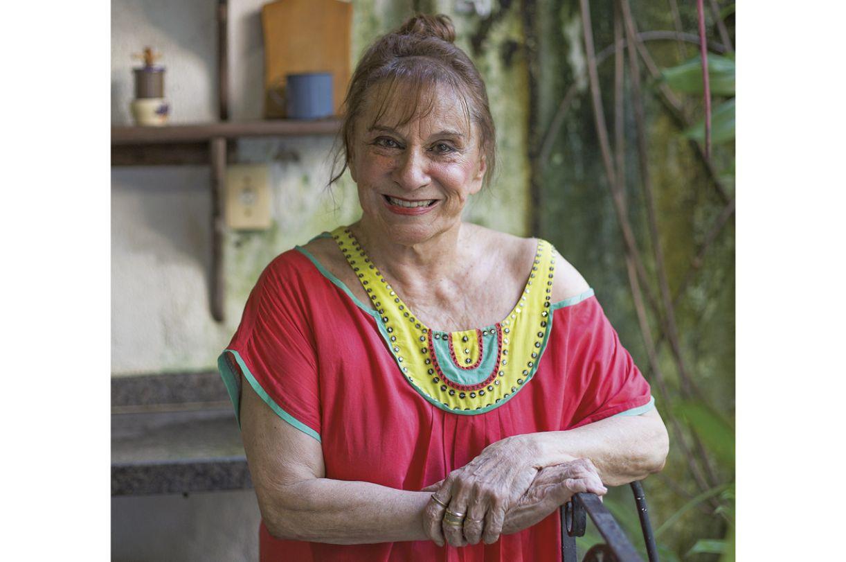 A pintora Tereza Costa Rêgo
