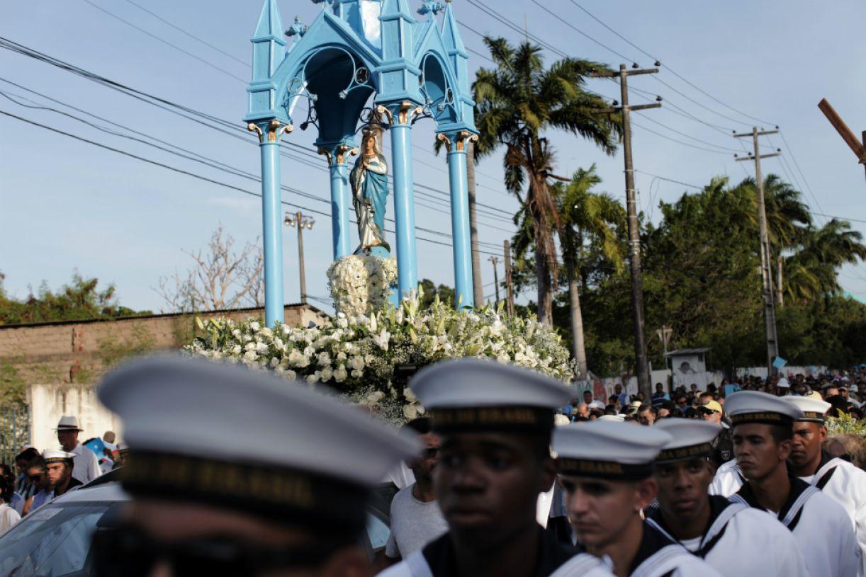 O cortejo tem início no Bairro do Recife, seguindo até o Morro da Conceição