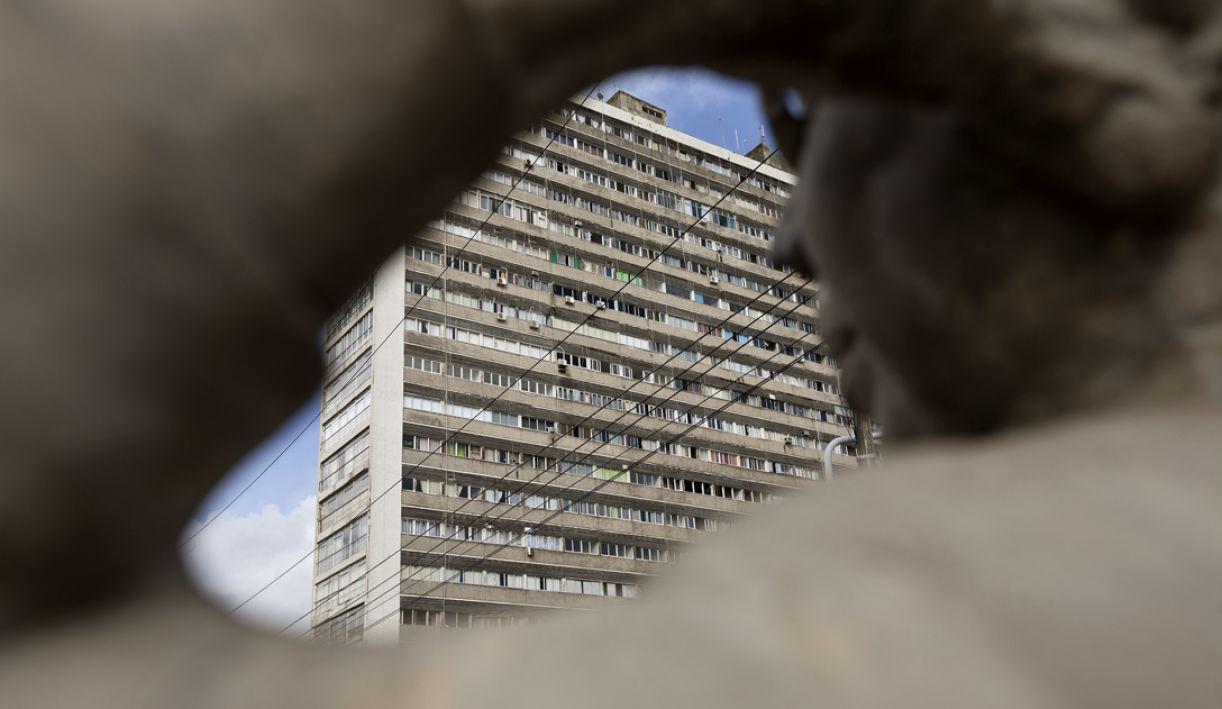 De 1955, projeto do Edifício Caetés, de Acácio Gil Borsoi, faz parte da paisagem do centro da cidade