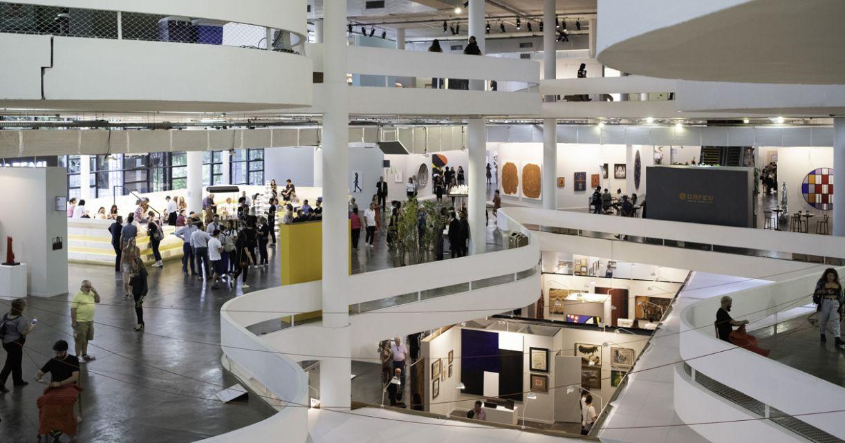 Vista geral do Pavilhão da Bienal durante a SP-Arte 2019
