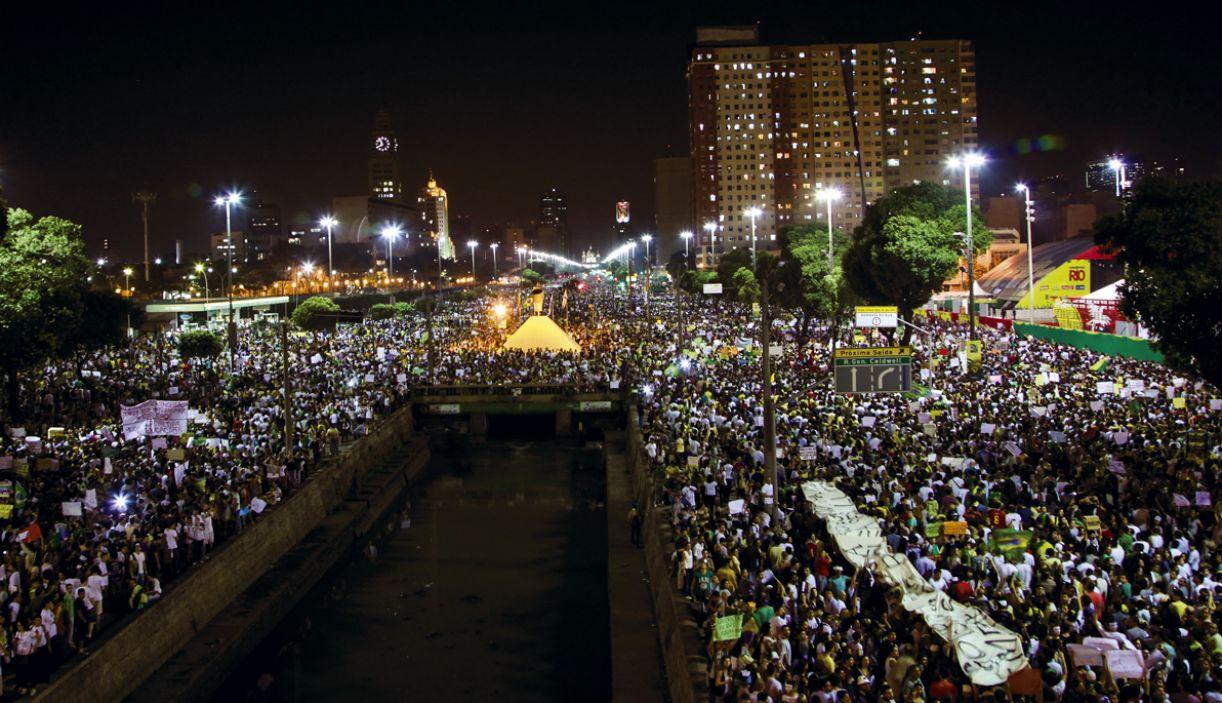 No Rio de Janeiro, como em outras capitais brasileiras, as ruas se encheram de manifestantes