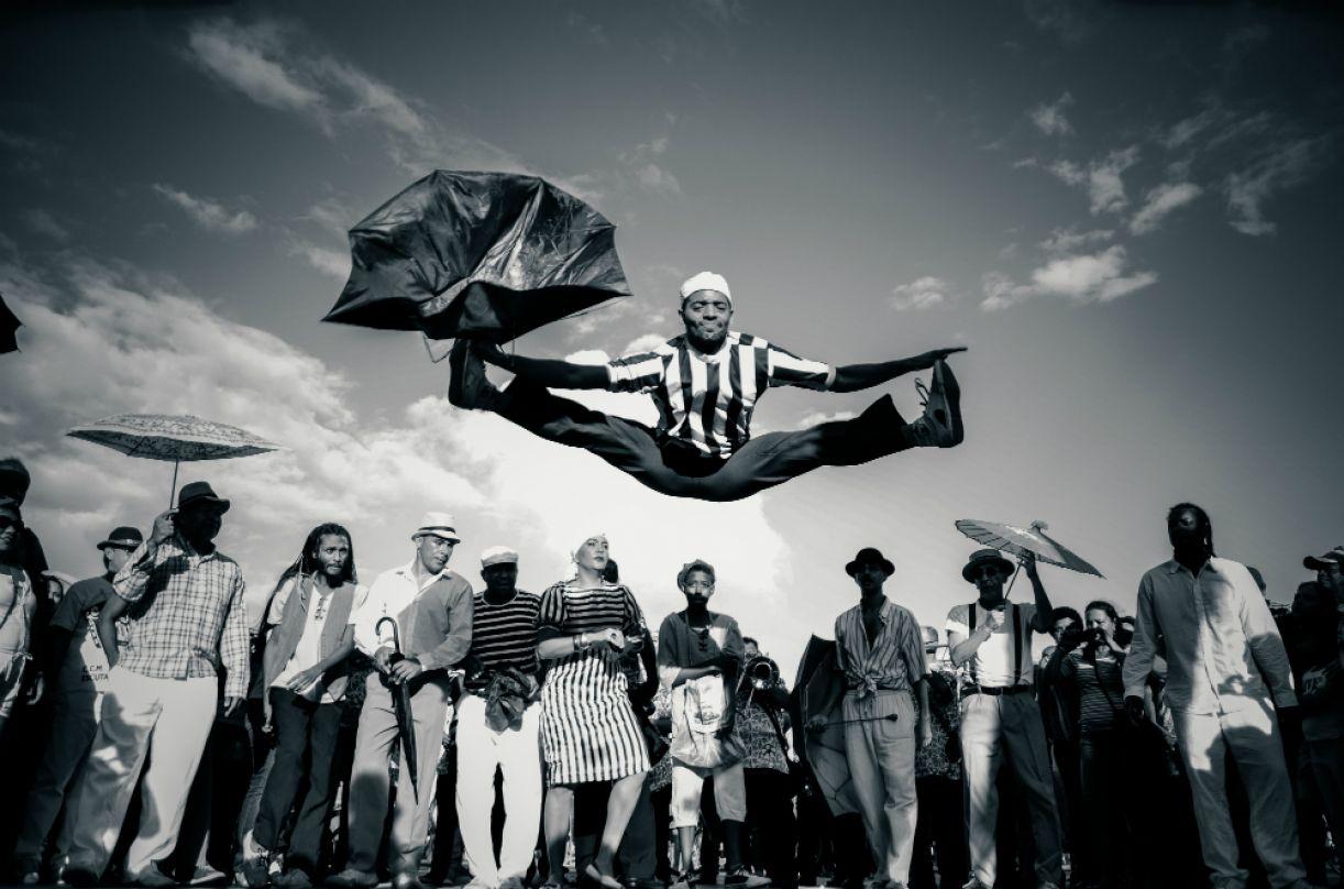 Grupo Guerreiros do Paço estimula a prática da dança frevo ao longo de todo o ano
