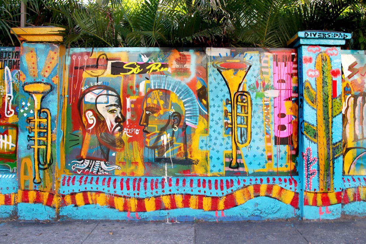 Mural de 90 m² foi pintado por artistas cubanos e recifenses e mistura símbolos de ambas as culturas