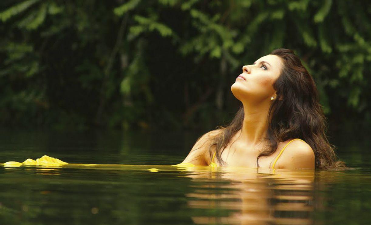 Mesmo orgulhando-se de ser apresentada como paraense, Lia nasceu na Guiana Francesa e foi criada no Amapá. Pará, só na adolescência