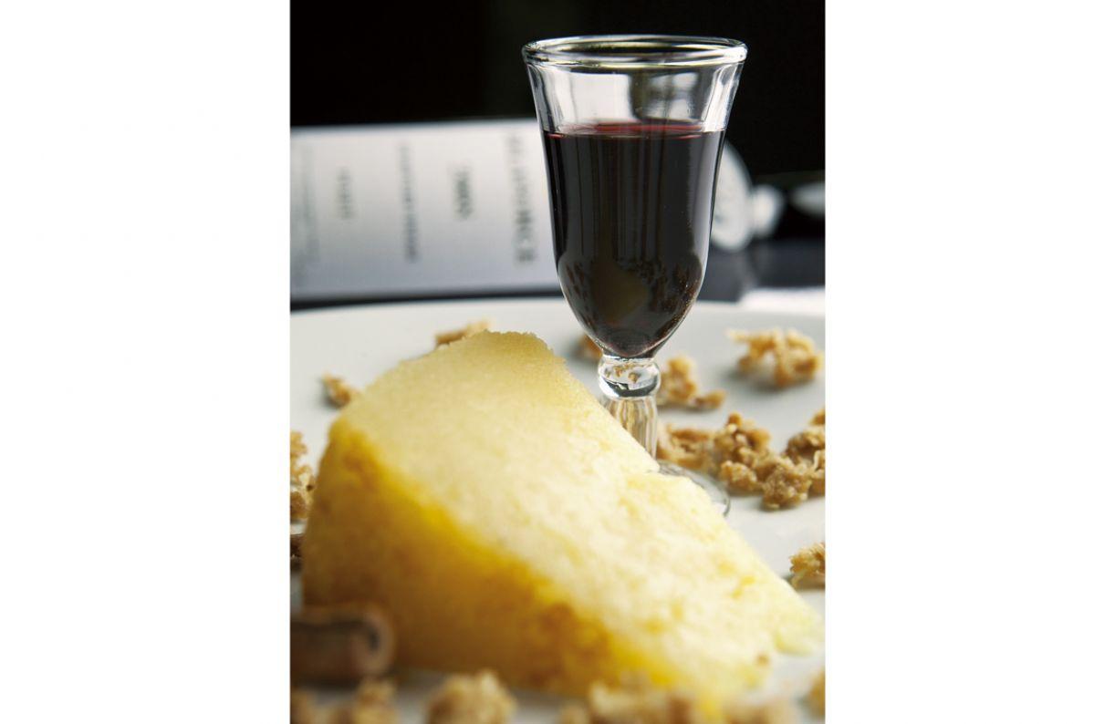 De acordo com especialistas, vinho do Porto combina com bolo Souza Leão