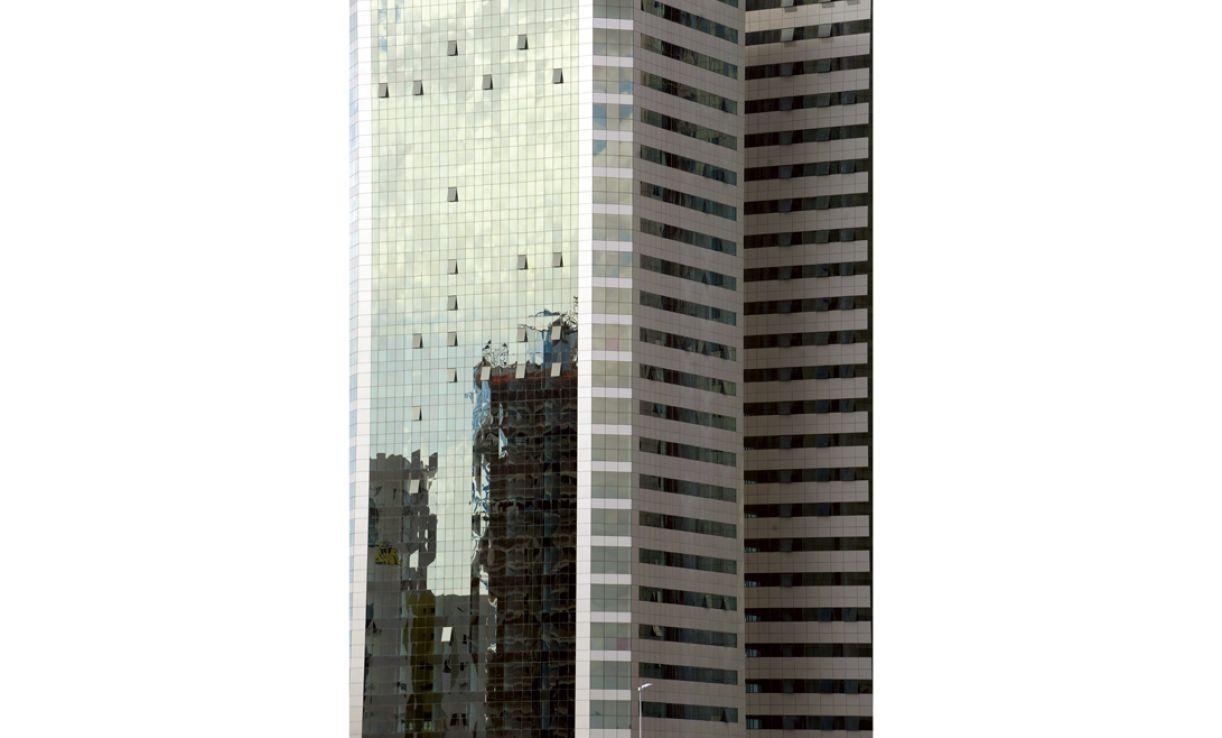 Cidades em crescimento acelerado como o Recife estão sendo rapidamente ocupadas por torres espelhadas