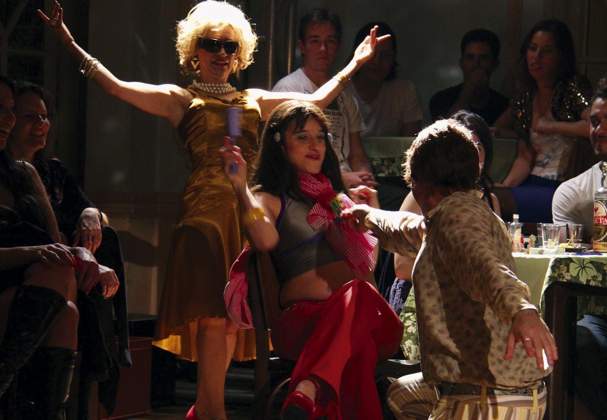 O espetáculo da Companhia Brasileira de Teatro de Curitiba teve sua iluminação criada por Nadja Naira