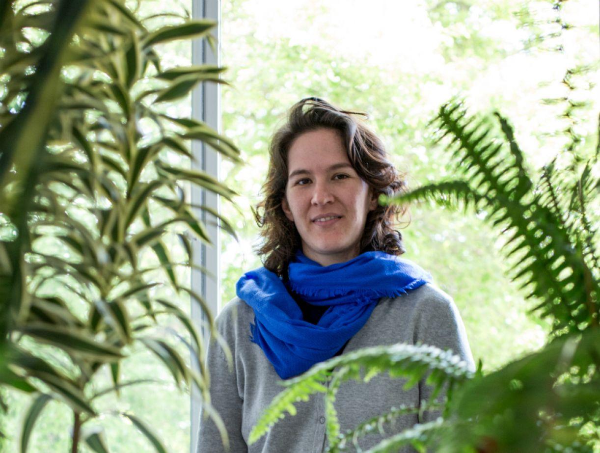 A poeta Júlia Hansen