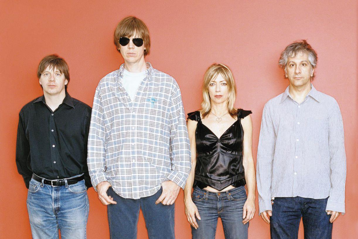 O grupo americano Sonic Youth é o mais radical e bem-sucedido no uso das premissas do noise