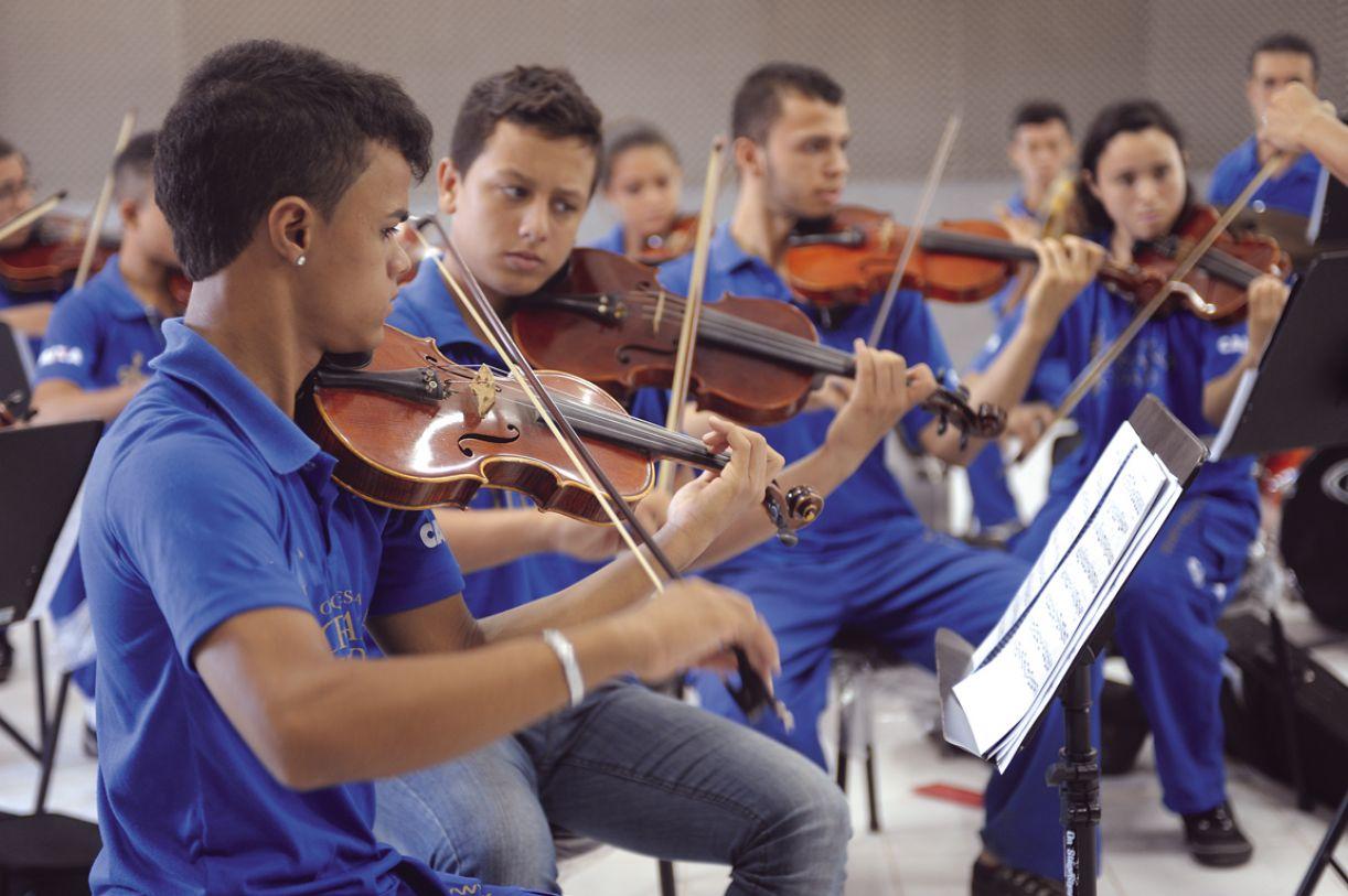 Atualmente, a orquestra recebe 160 jovens do bairro, entre 6 e 19 anos