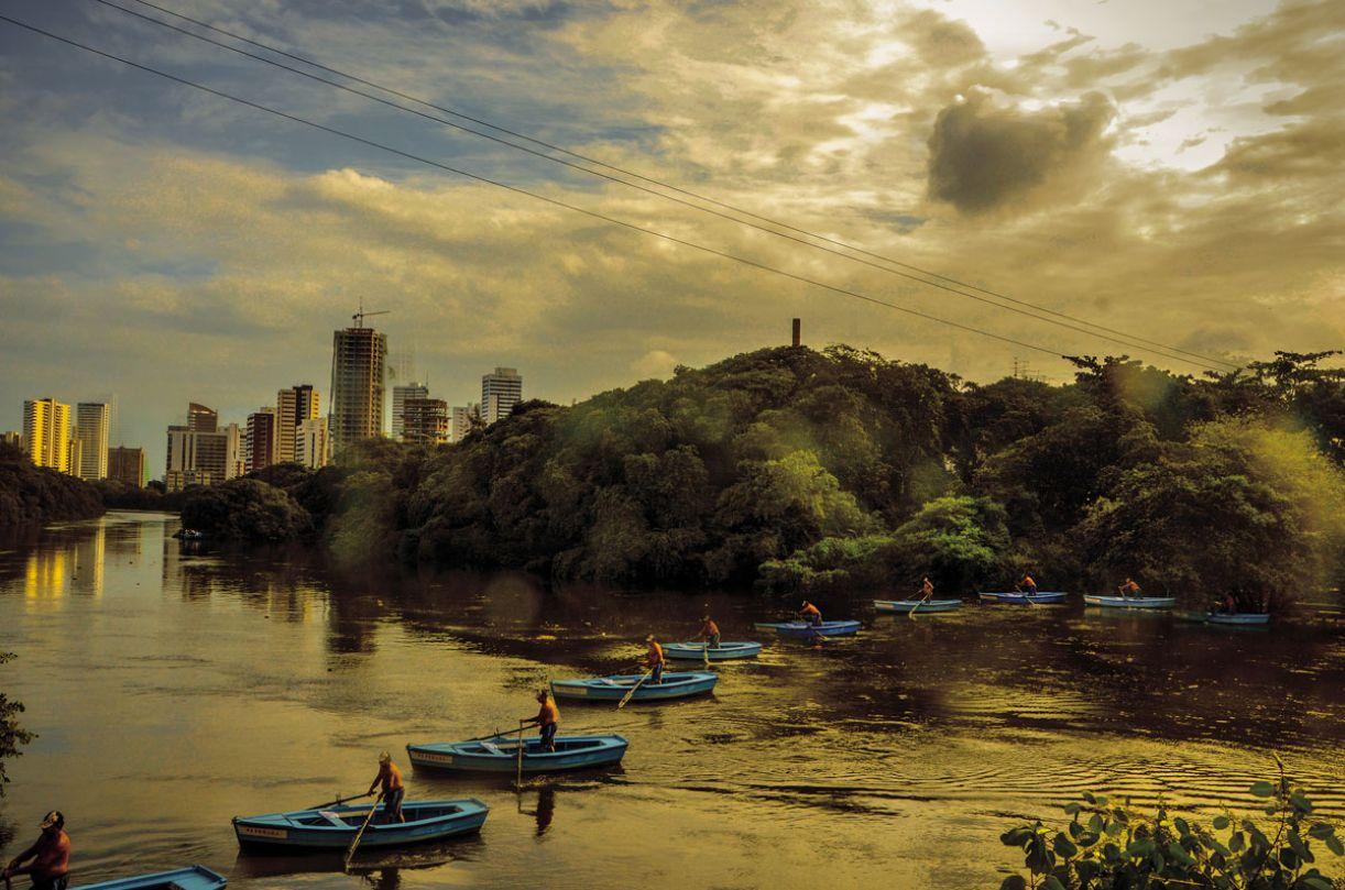 Seu Mita mantém a tradição familiar e faz o transporte de passageiros entre a Torre e a Jaqueira