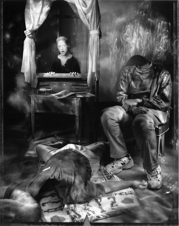 O fotógrafo Benjamim Paige produziu a 'Murder scene' a partir da técnica de light painting