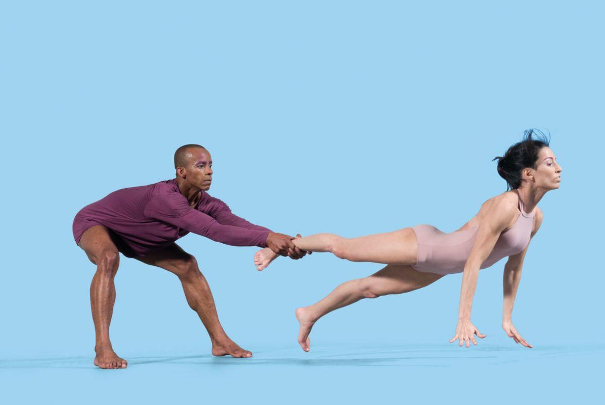 Com uma base clássica, o Corpo desenvolve uma intensa pesquisa sobre uma linguagem brasileira para a dança