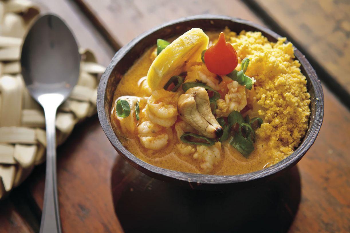 Cardápio faz novas versões de clássicos da cozinha nordestina, como o ensopado de cuscuz