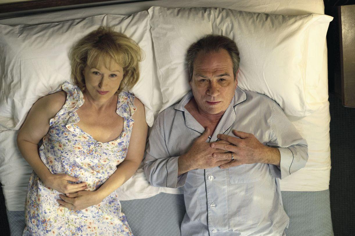 Meryl Streep e Tommy Lee Jones vivem casal em crise no filme 'Um divã para dois'