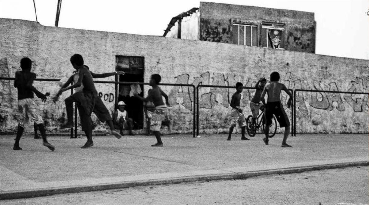 Fotografia que integra o livro 'O Jogo da Bola'