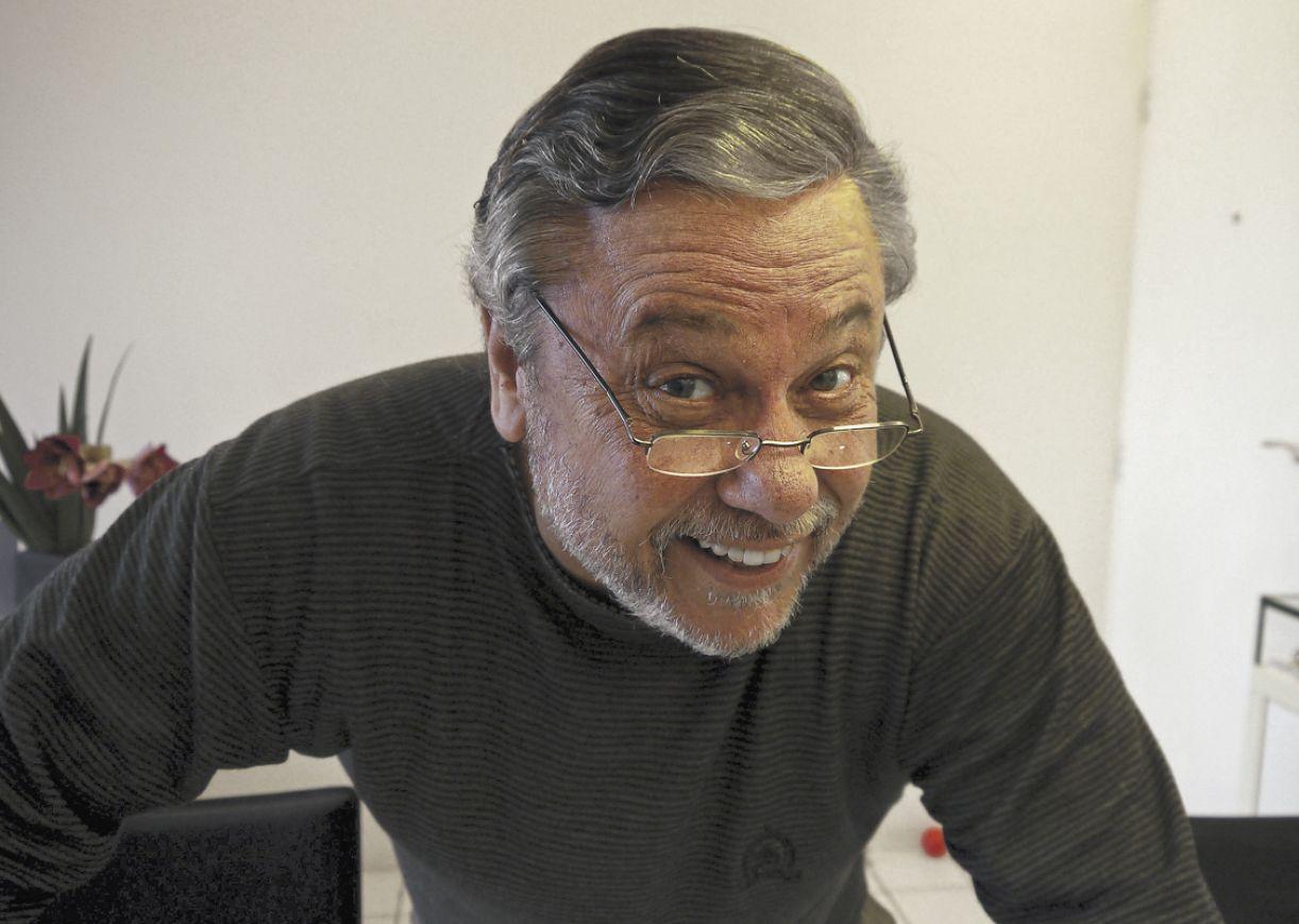 Joca Souza Leão selecionou de seus textos publicados em revista aqueles mais perenes e foi em busca de novas histórias