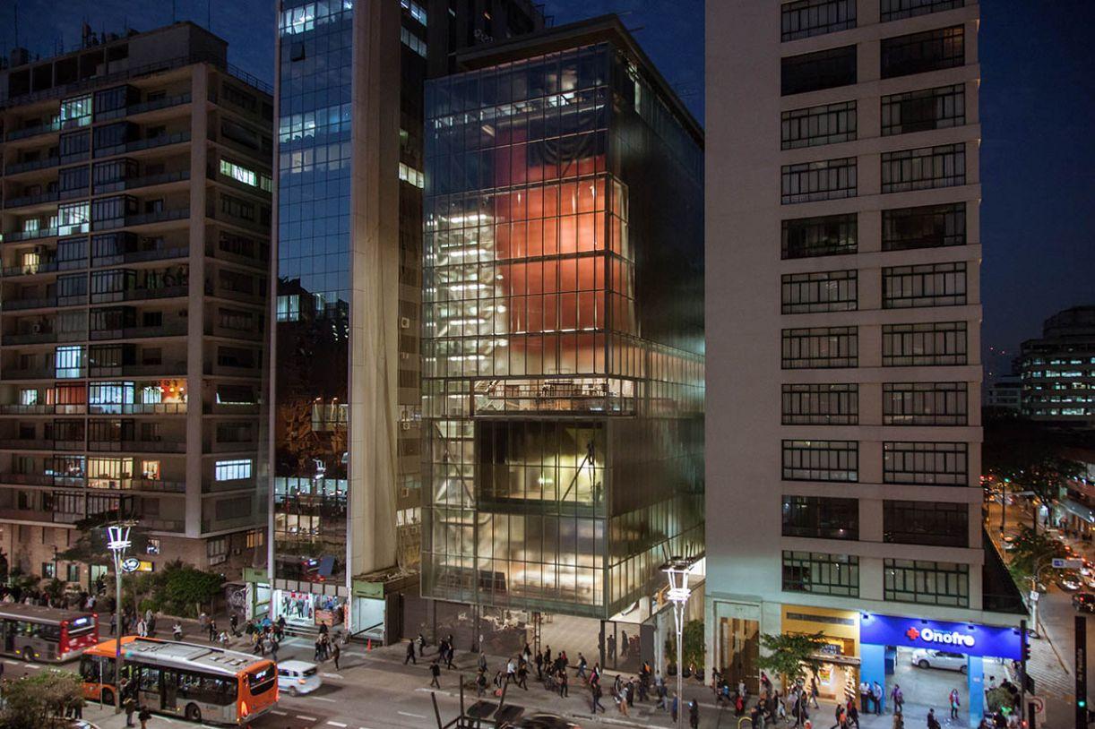 Prédio está aberto à Av. Paulista, icônico lugar de protagonismos do poder e da vida comum em São Paulo