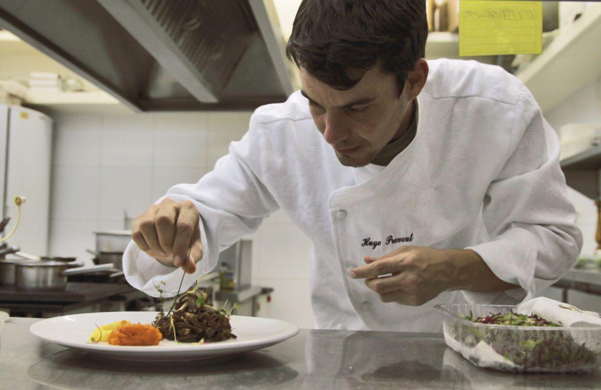 Para Hugo Prouvot, chefs devem se preocupar mais com um bom desempenho do que com um cardápio de vanguarda