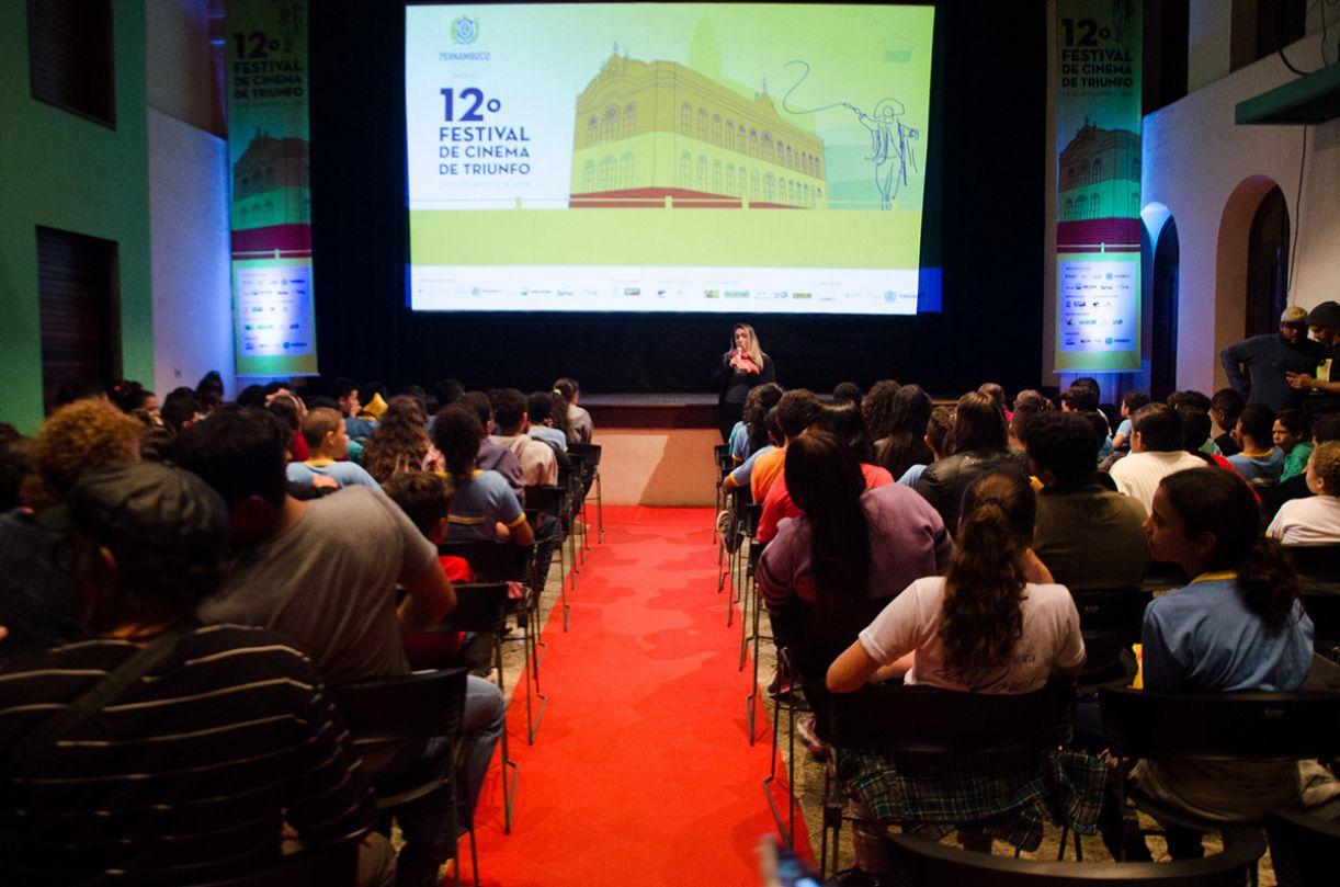O Theatro Cinema Guarany, onde acontecem as exibições