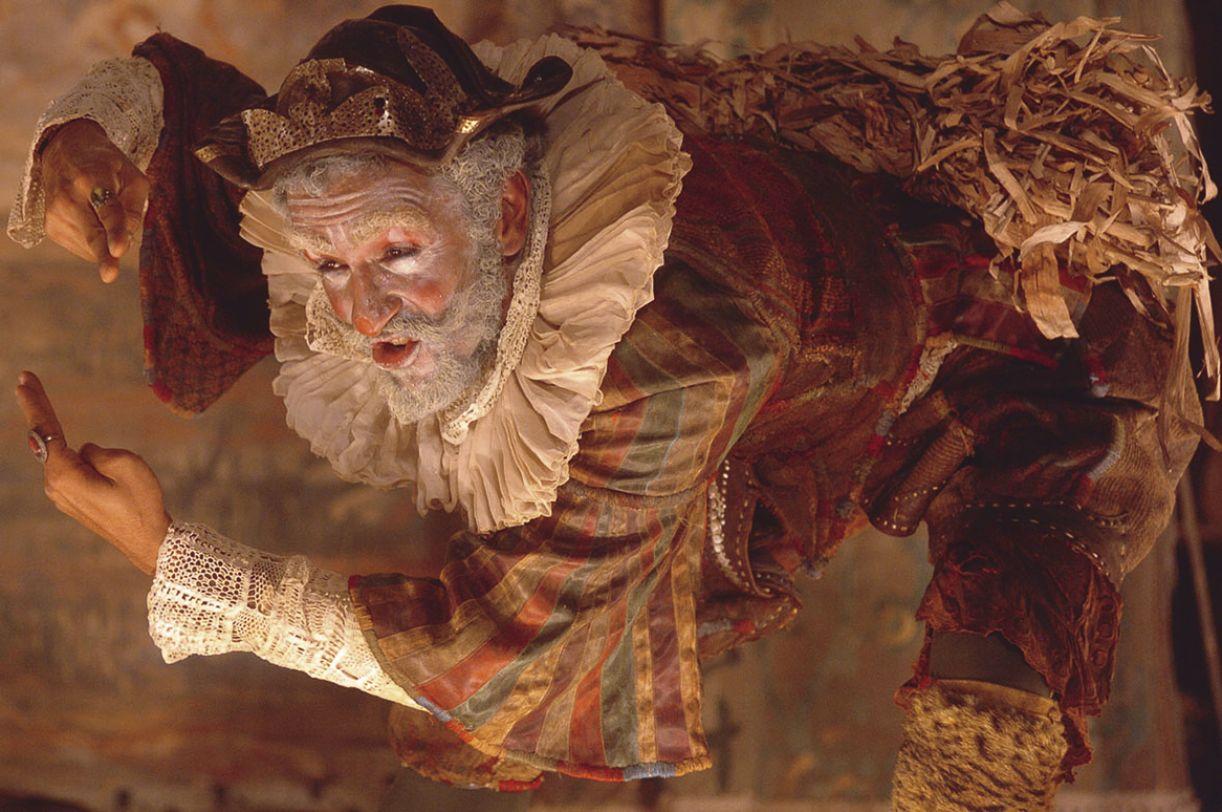 Adaptação da obra de Ariano Suassuna para a televisão, 'A pedra do reino' ganhou figurino de Luciana Buarque