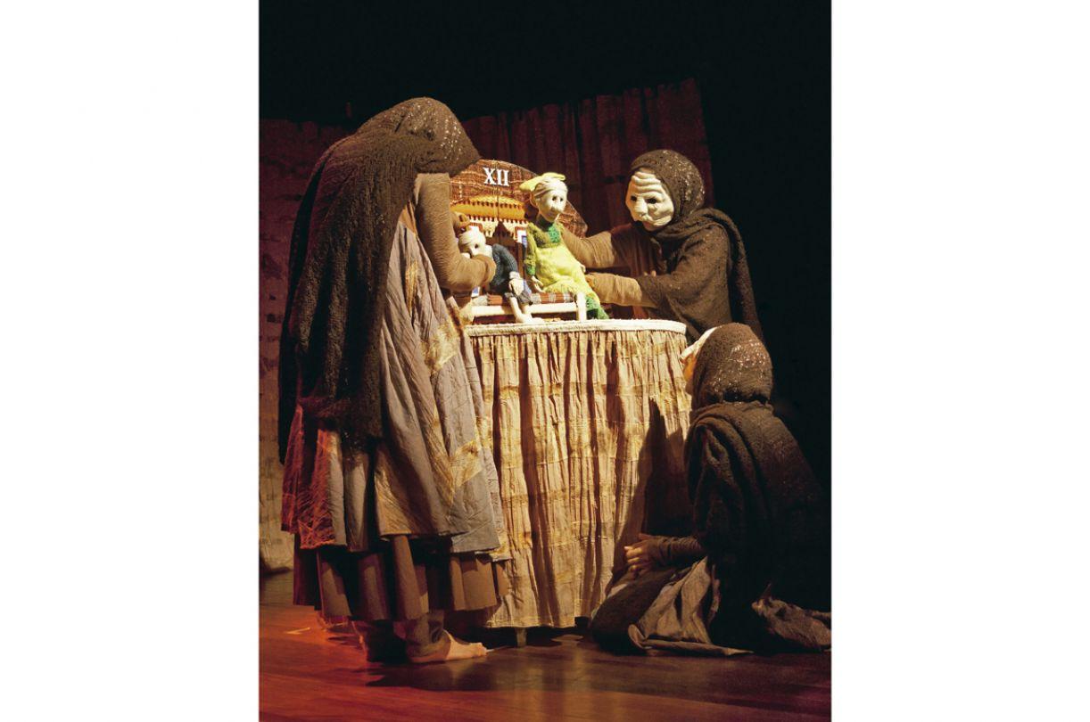 Espetáculo 'O fio mágico' está circulando pelo país no Projeto Palco Giratório