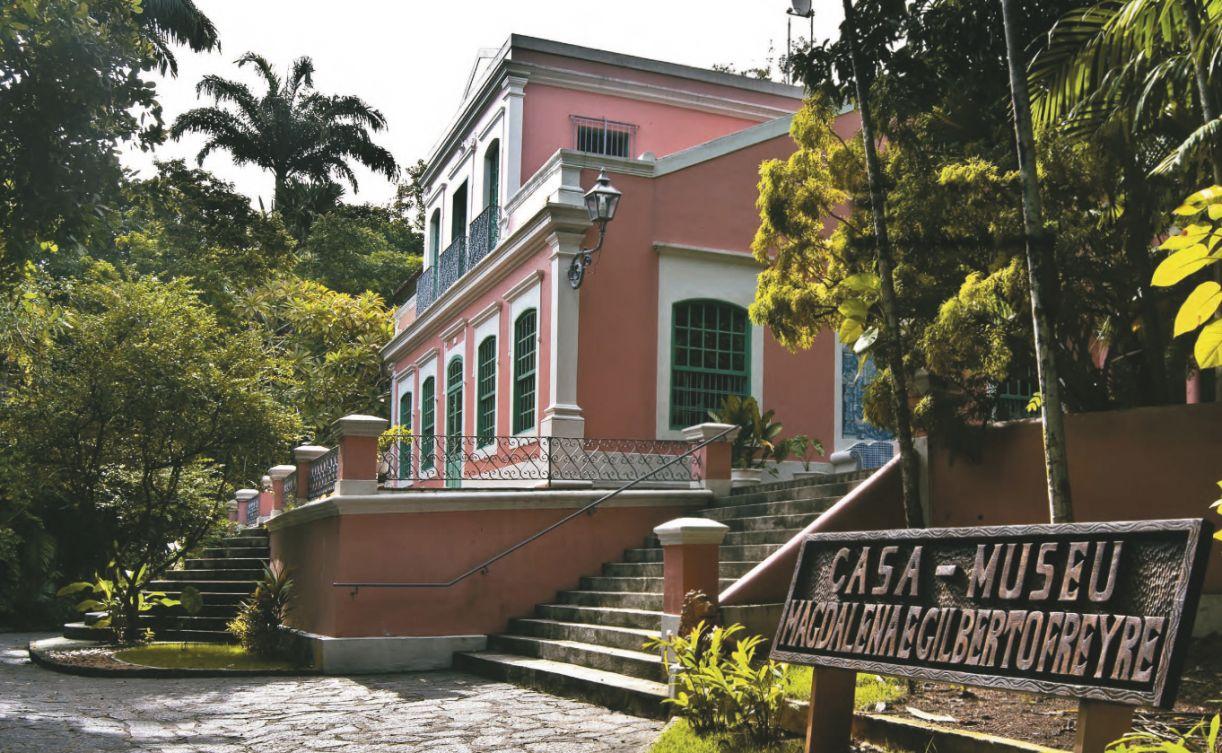 Exemplar arquitetônico do século 19, a edificação mantém as mesmas características de quando foi adquirida pela família
