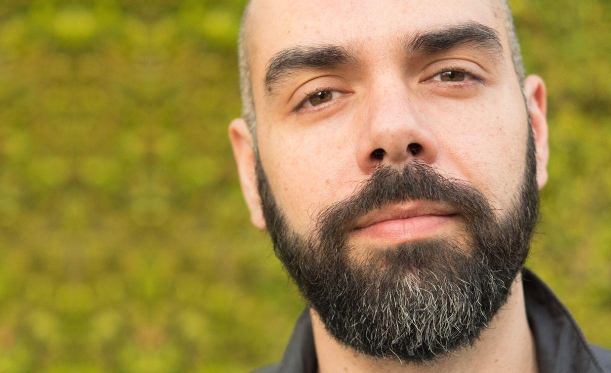 O cineasta Pedro Kos, roteirista de 'Privacidade hackeada'