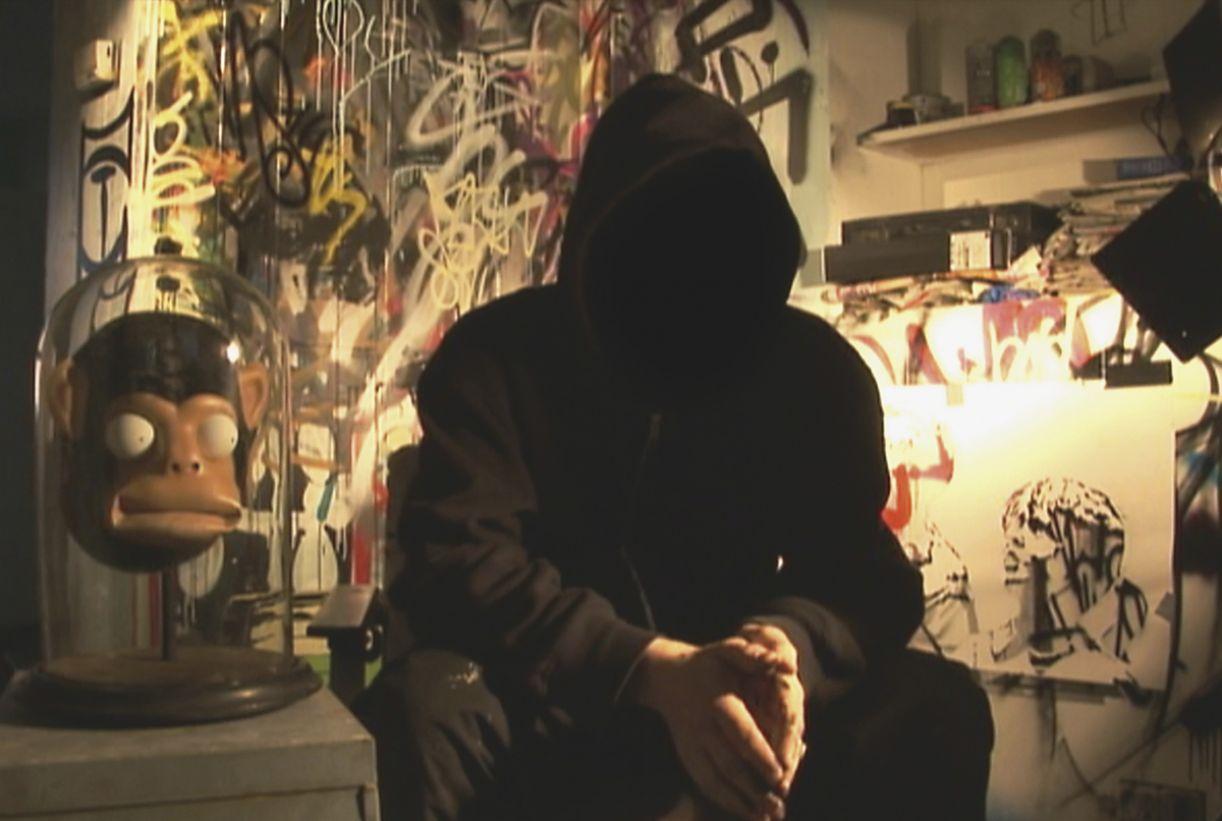 Anonimato do grafiteiro Banksy tem efeito de proteção contra processos judiciais
