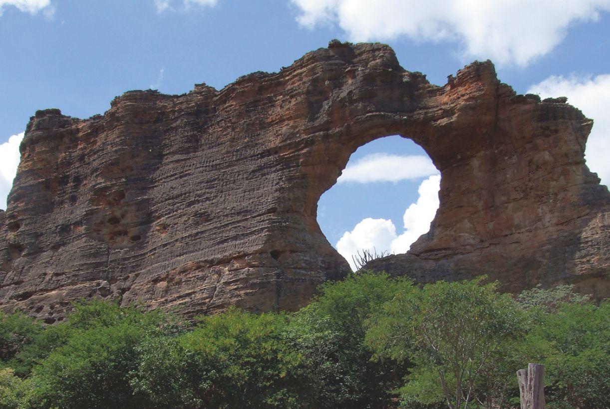 Na Toca do Boqueirão, vestígios de fogueira e material lítico remontam a 100 mil anos BP