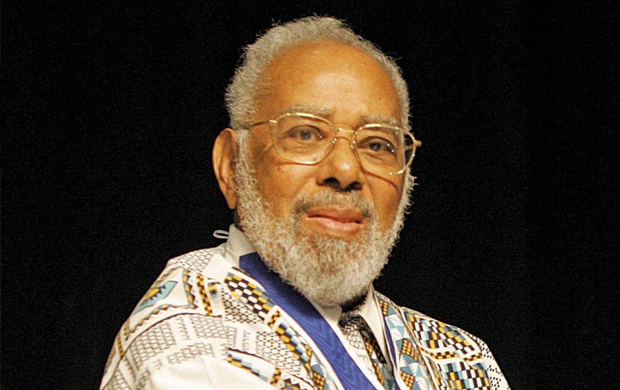 Abdias Nascimento fundou o Teatro Experimental do Negro com a proposta de levar aos palcos a pluralidade das identidades afrodescendentes