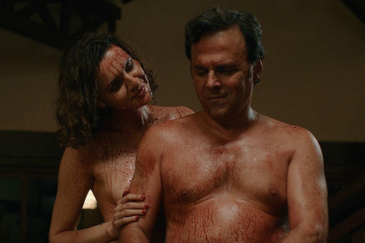 Gilda (Ana Luiza Rios) e Otávio (Tavinho Teixeira) são o casal protagonista de 'O clube dos canibais'