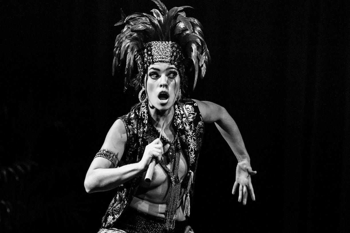 A bailarina Mari Paula apresenta dois espetáculos, ministra oficina e participa de residência