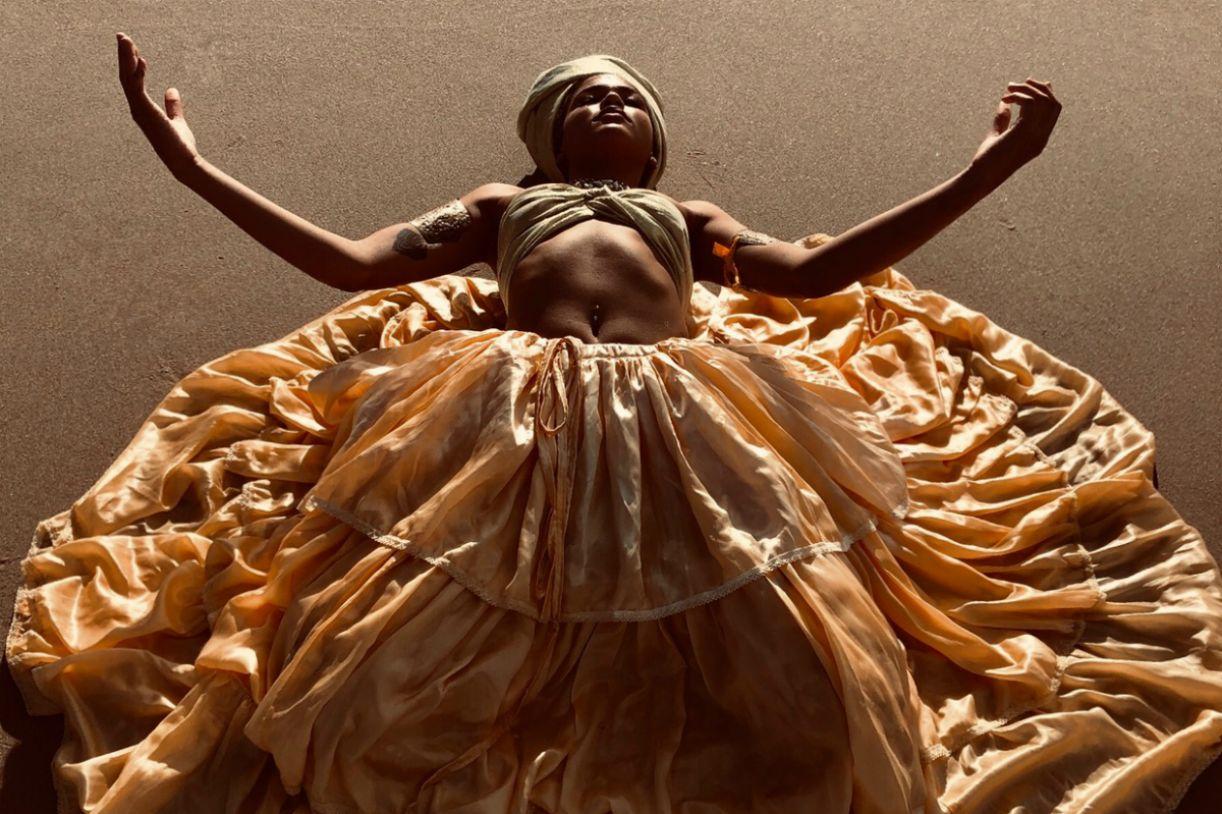 'Aldeias' explora e resgata o universo ritualístico da cultura ameríndia e afro-brasileira