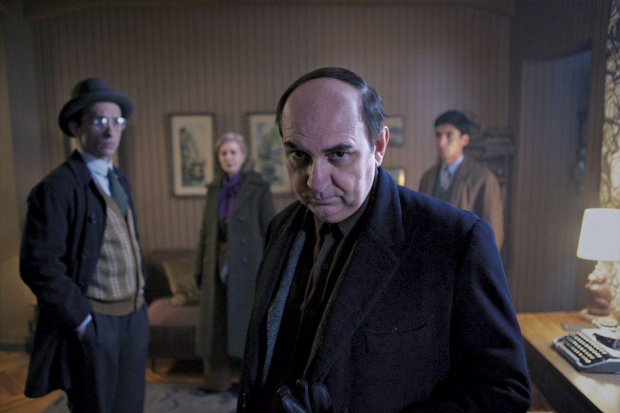 O longa 'Neruda' traz uma recorte de dois anos na vida do poeta chileno